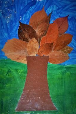 drzewo z liści